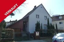 Waidmannslust! Modernisierungsbedürftiges Einfamilienhaus (Massivbau 56) mit Garage und Südgarten