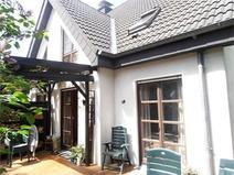 Hermsdorf! Gut ausgestattete idyllische Doppelhaushälfte in sehr gefragter Lage