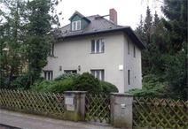 Frohnau! Modernisierungsbedürftiges Einfamilienhaus mit Süd-Westgrundstück
