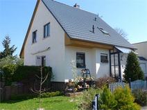 Hohen Neuendorf ! Neuwertiges Einfamilienhaus (Bj. 2003) mit traumhaften Garten!
