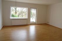 Hermsdorf ! Frisch renovierte 2 Zi. Eigentumswohnung mit gr. Balkon u. Grünblick