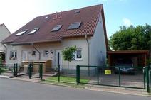 Hohen Neuendorf ! Ruhig gelegene Doppelhaushälfte (1999) in Bahnhofsnähe