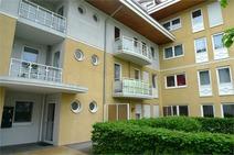 Kleinmachnow ! Gepflegte 4 Zimmer Terrassenwohnung (EG) dicht Teltow Kanal !