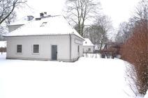 Hermsdorf ! Kleines Haus (2-3 Zimmer) mit Parkflächen in verkehsgünstiger Lage !