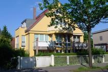 Hermsdorf ! Helle 2 Zimmer Komfort Eigentumswohnung (1.OG) mit Balkon