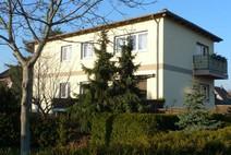 Wittenau ! Gepflegtes Zweifamilienhaus mit 2 Garagen und idyllischen Südgarten