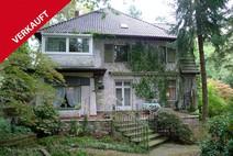Frohnau ! Stilvolle Einfamilienhausvilla mit parkähnlichen Eckgrundstück