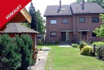 Hermsdorf ! Bestgepflegte Massivdoppelhaushälfte mit schönem Sonnengarten