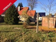 Hohen Neuendorf ! Sanierungsbedürftige DHH mit idyllischen Sonnengrundstück