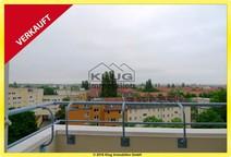 Reinickendorf ! Elegante Dachgeschosswohnung mit Balkon u. Tiefgarage